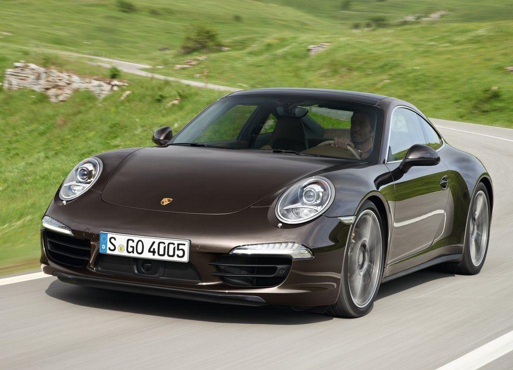 2013-Porsche-911-Carrera-4S-Coupe-Sportscar