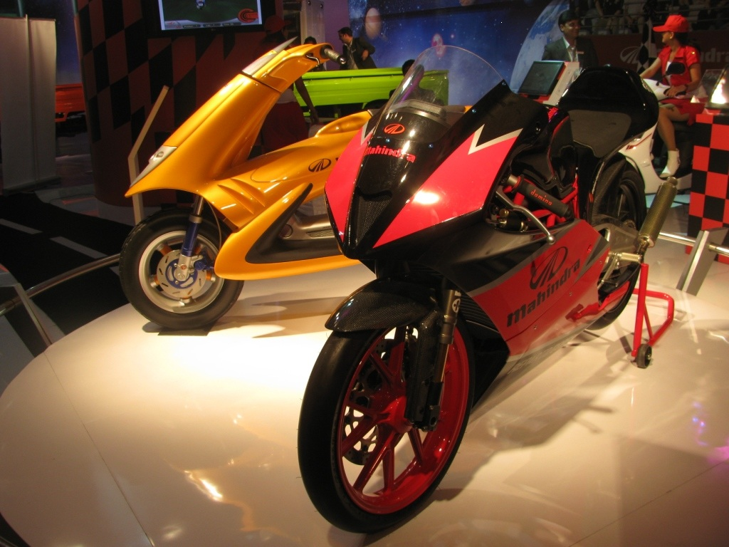 mahindra_concept_scooter_motorcycle