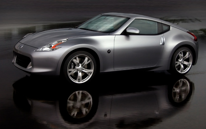 Nissan launches the 370Z