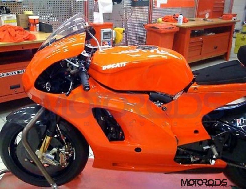 ducati_gp10_2010_motoroids