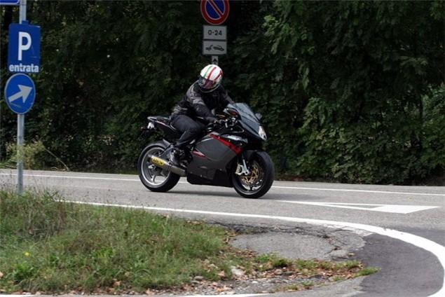 mv agusta - www.motoroids.com