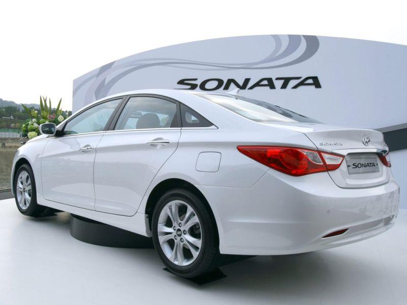hyundai_sonata_rear