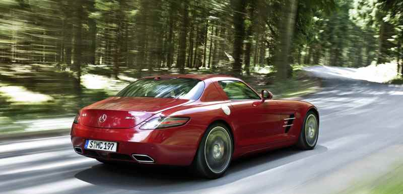 Mercedes' news supercar, the SLS AMG