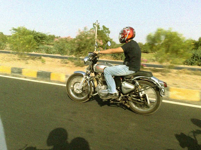 ahmedabad motomeet - www.motoroids.com