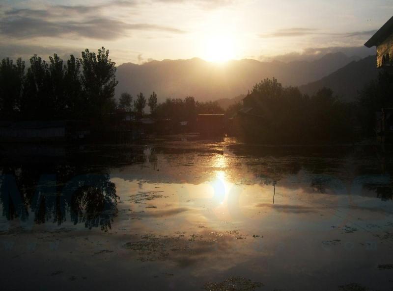 jaideep khodaskar rides solo from Ahmedabad to Leh, Ladakh and beyond on his Royal Enfield THunderbird