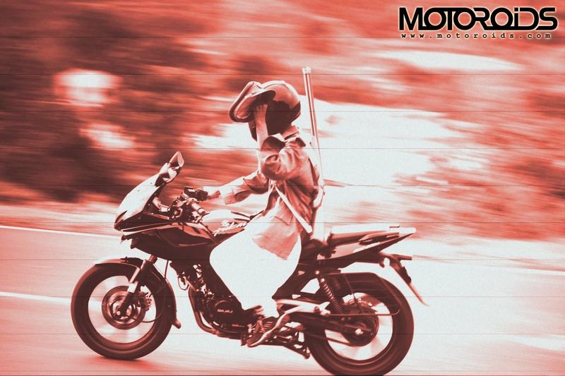 motoroids2_dacoitrunning_withcap%20copy