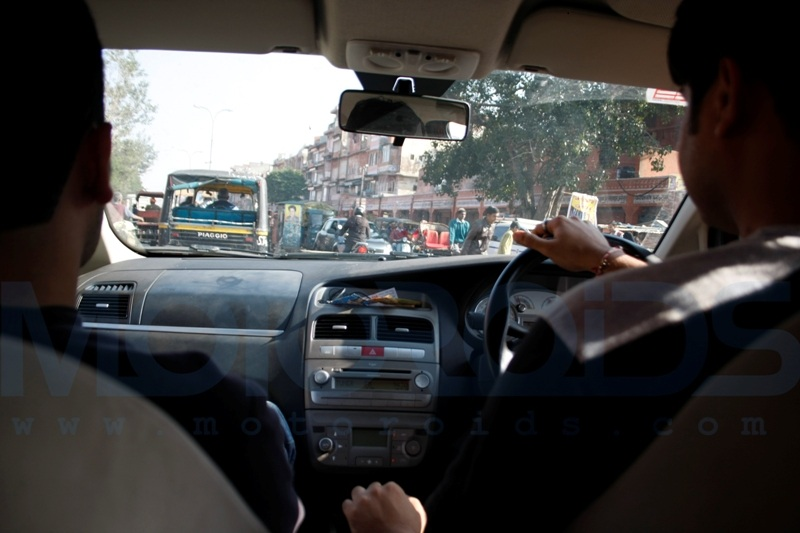 Motoroids takes a road trip from Pune to Delhi in a Fiat Linea to attend the 2010 auto expo