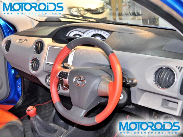 Auto Show South - www.motoroids.com