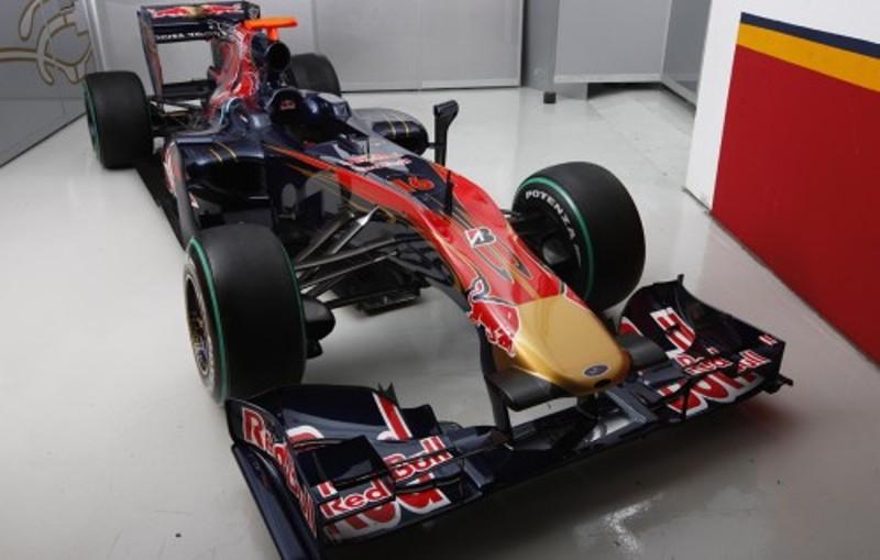 2010 torro rosso car