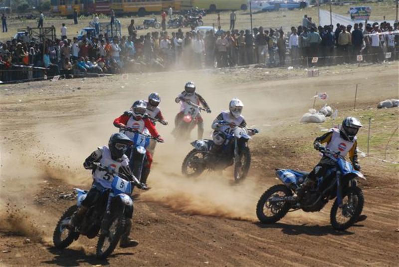 Gulf Cup Dirt Track Racing Bhopal - www.motoroids.com