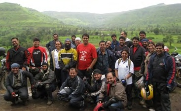 Roadshakers, the Royal Enfield club from Pune