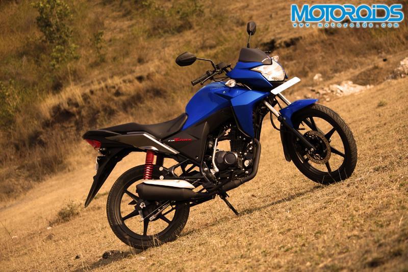 Honda CB Twister First Ride / Road Test Review - www.motoroids.com