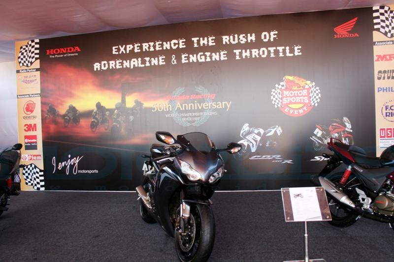 First Ride / Road Test Review of the 2009 Honda CBR1000RR Fireblade by Rohit Paradkar for Motoroids.com