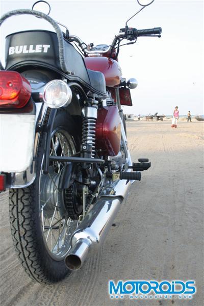 RE Electra Twinspark - www.motoroids.com