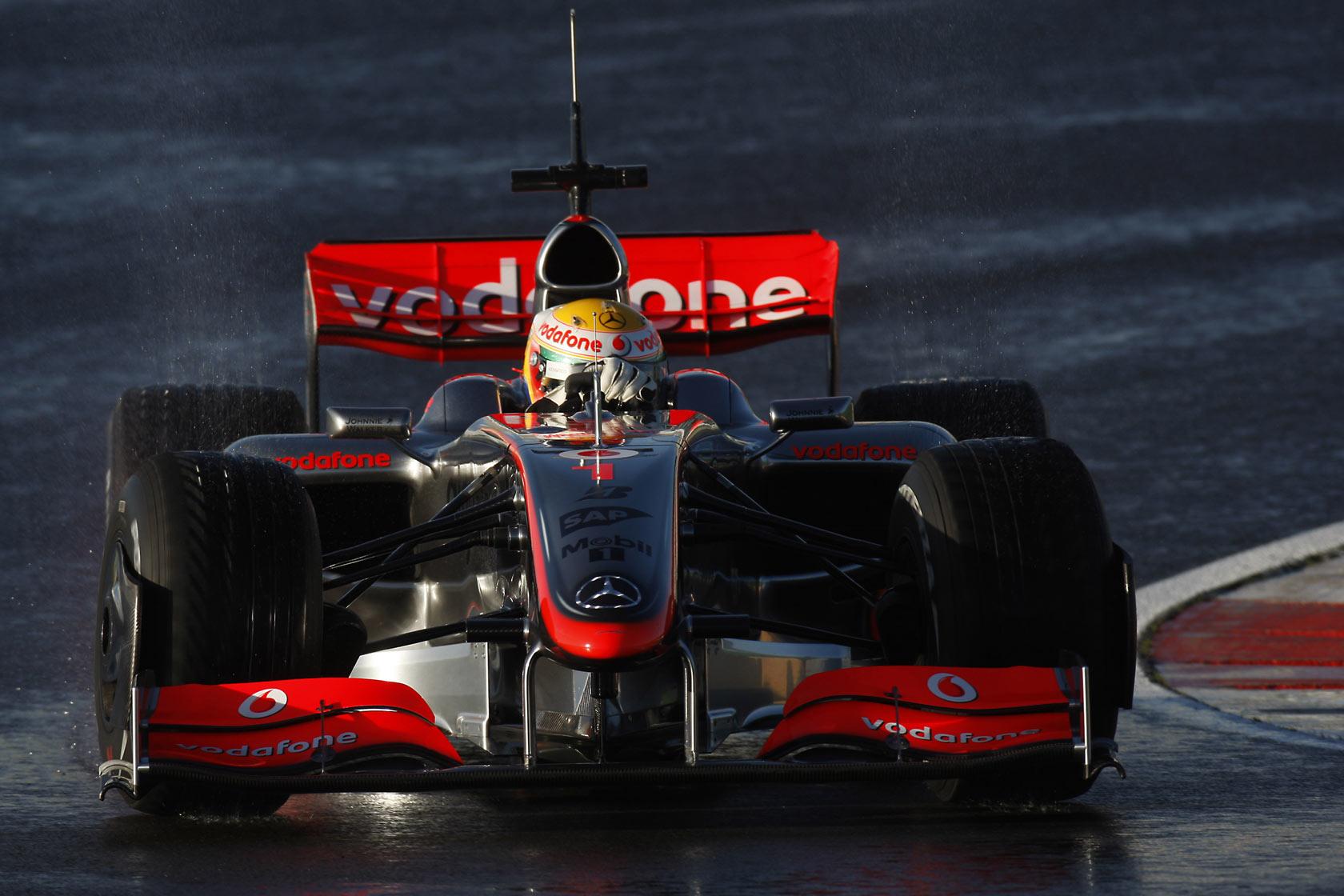 f1-wallpaper-car-2009-26