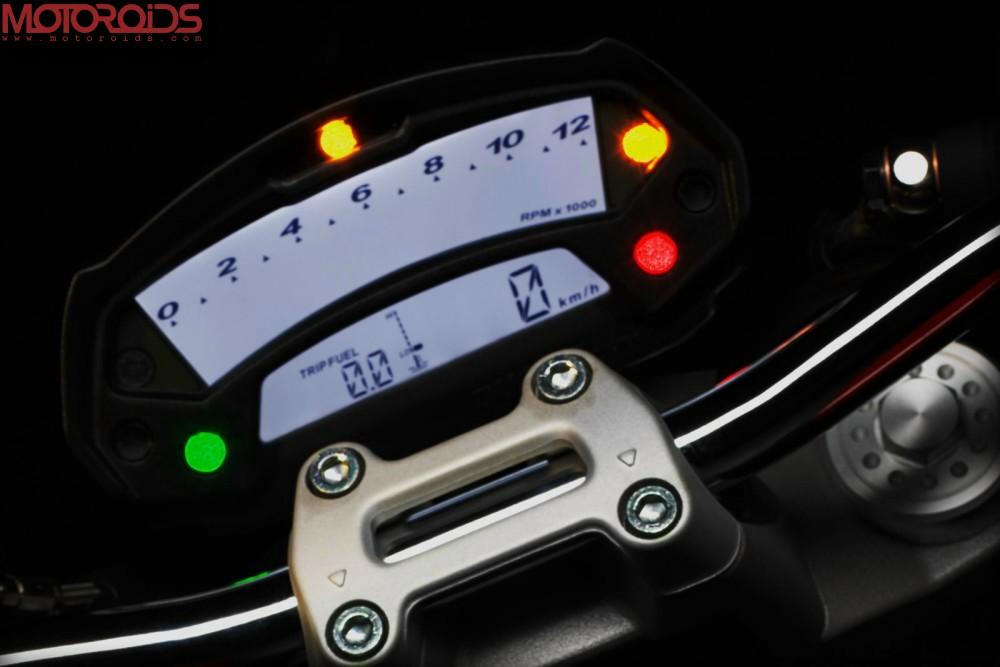Ducati Monster 795 (2)