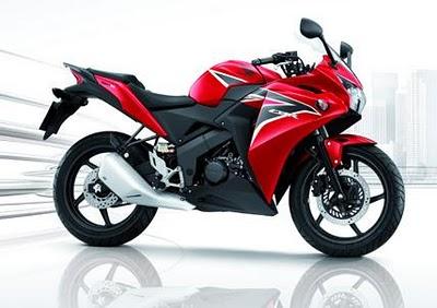 Honda CBR150R (2)