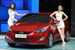 2011-Hyundai-Elantra-Unveiled-300x201