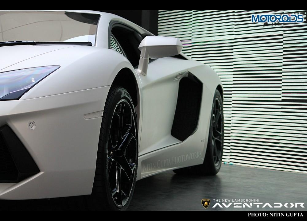 Lamborghini Aventador India (5)