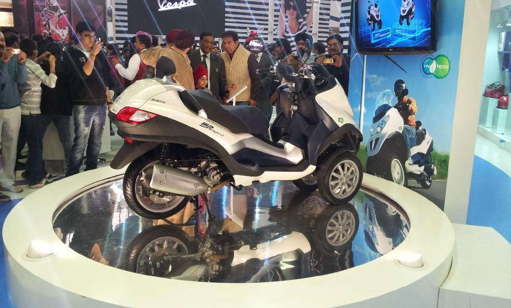 Piaggio at Auto Expo 2012 (10)