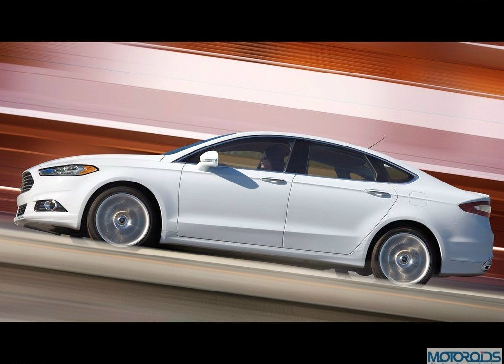 2013-Ford-Mondeo-10