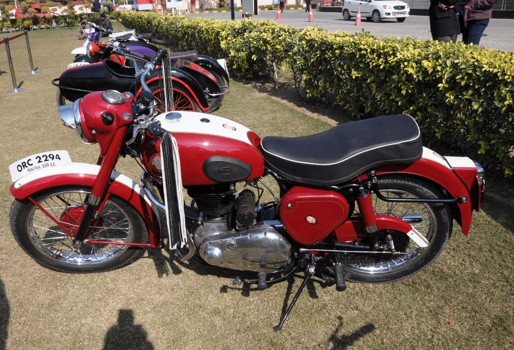 2nd-Edition-of-Vintage-Car-Bike-show-by-Crown-Group-at-Crown-Interiorz-Faridabad-on-27th-Jan-2012-5