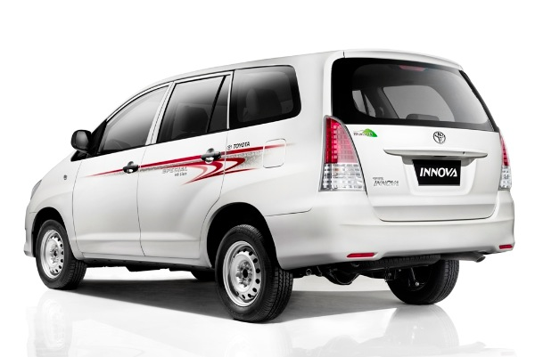 Toyota-Innova-Special-Edition-Side