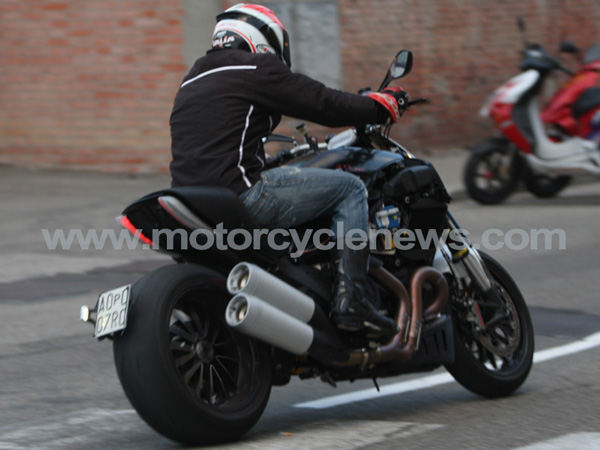 Here are a few more clearer spy pictures of the 1200cc V-twin Ducati Muscle bike - www.motoroids.com