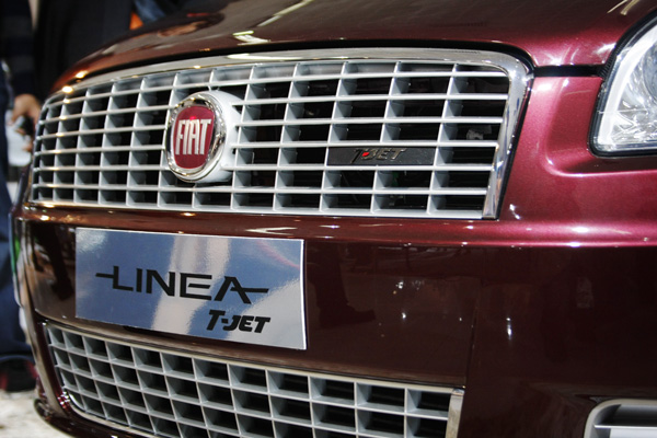 2011 FIAT T-jet caught on test in India; will be launched in September 2010. More info and details on price, changes, availability and equipment are available on Motoroids.com