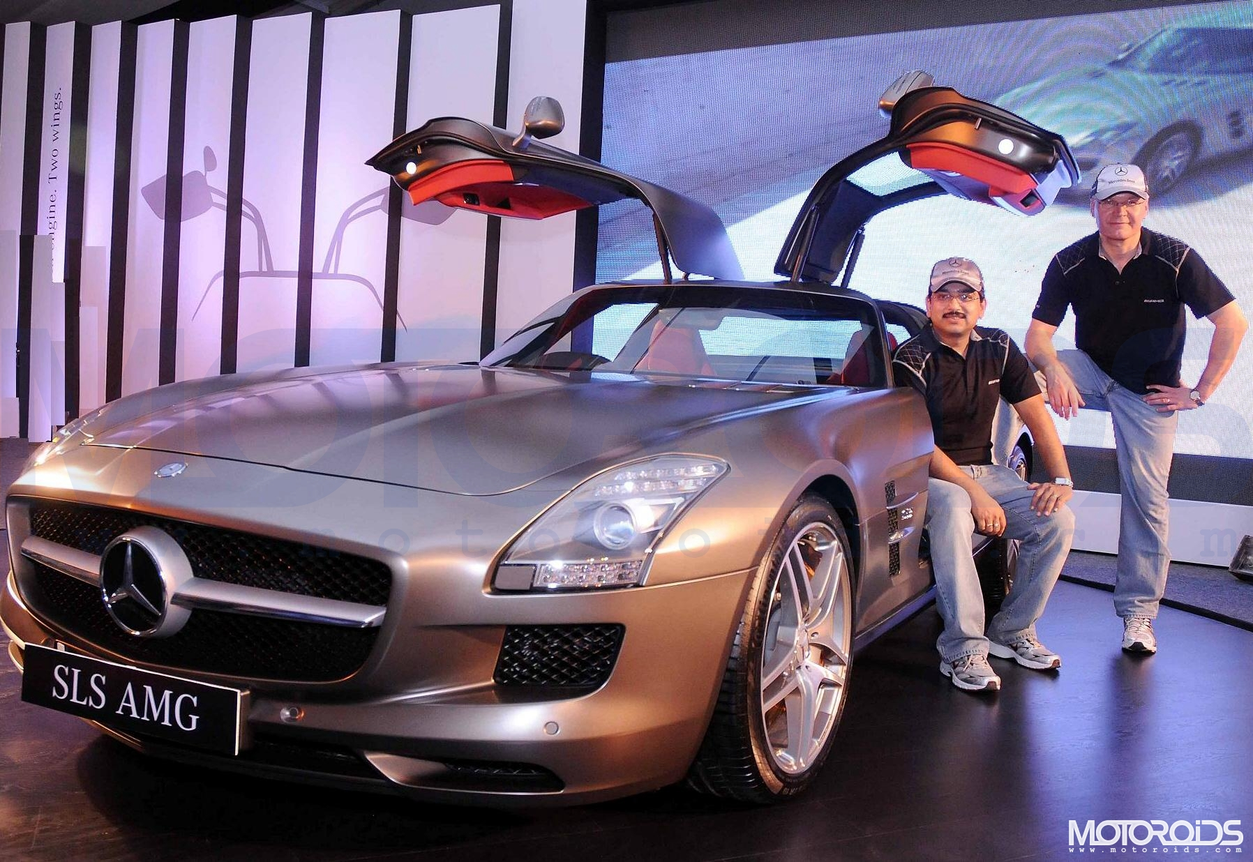 Mercedes benz sls amg launched in india prices delivery for Mercedes benz sls price