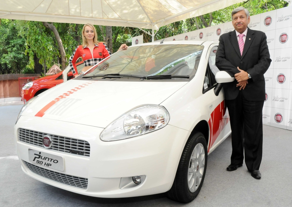 FIAT Punto 90HP Diesel has been launched in India; prices, specification, details and extensive review on Motoroids.com