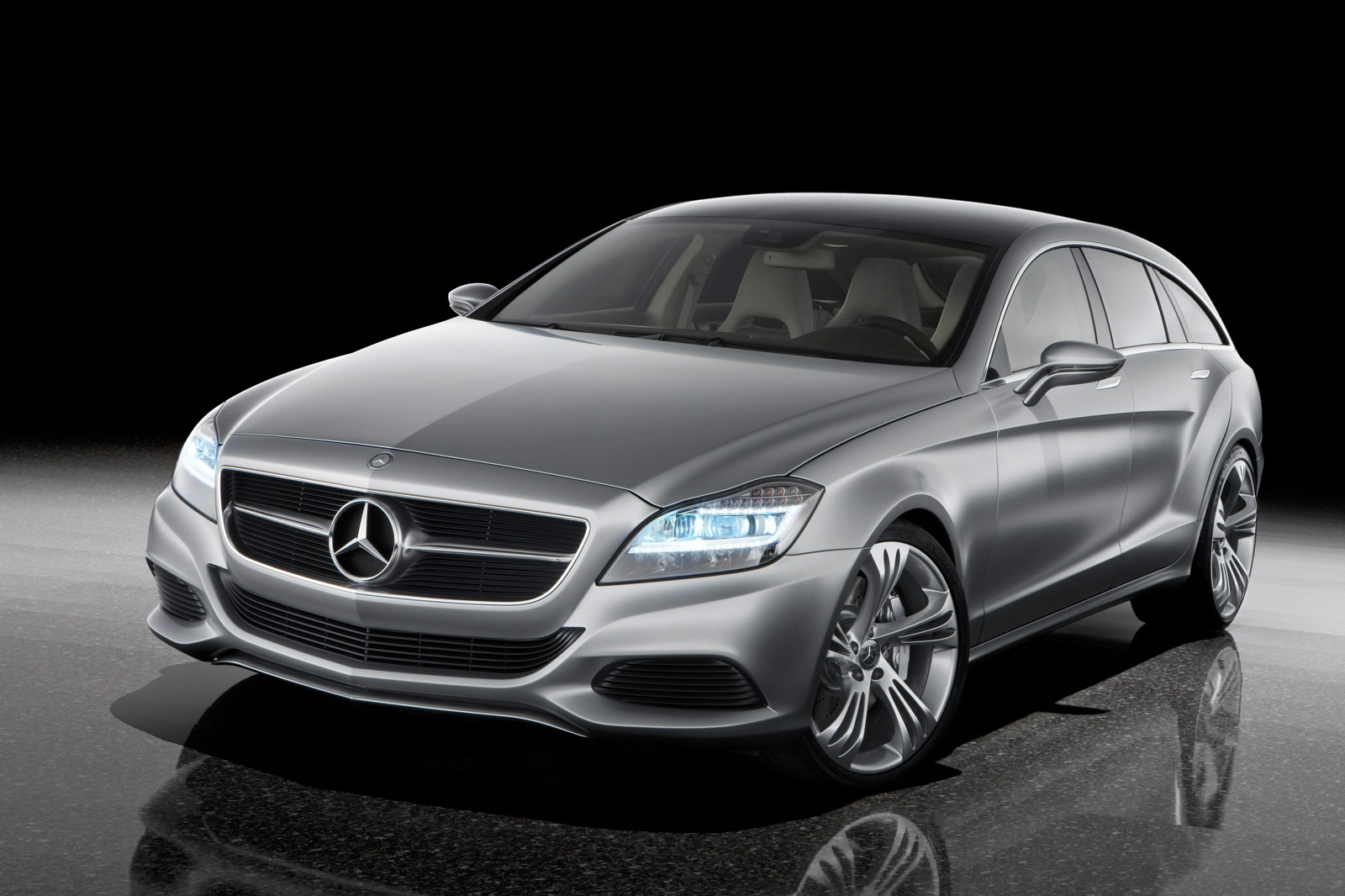 Brochure images of the 2011 Mercedes Benz CLS have leaked onto the internet. All photos and details on Motoroids.com
