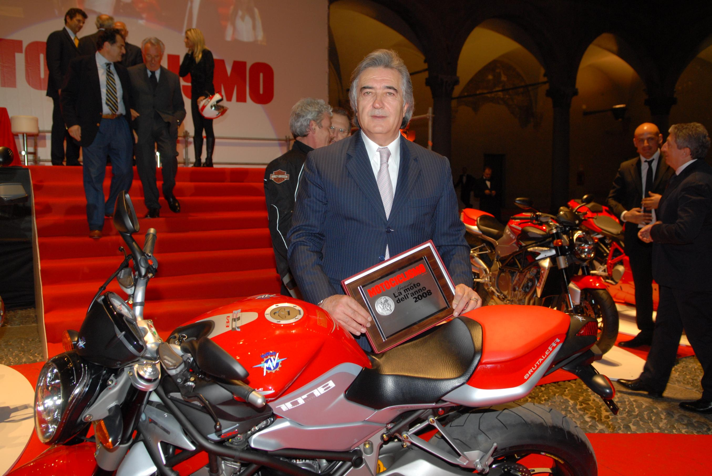 Harley Davidson has sold back the MV Agusta brand to Claudio Castiglioni for the price of one Euro, hence ending its two year long ownership over the Italian marquee