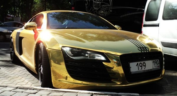 A gold plated Audi R8 was spotted in Moscow Russia - the same place where a gold plated Porsche was stolen some time back after it became famous on the internet