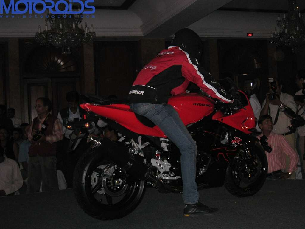 Hyosung ST7 and GT650R India launch (5)