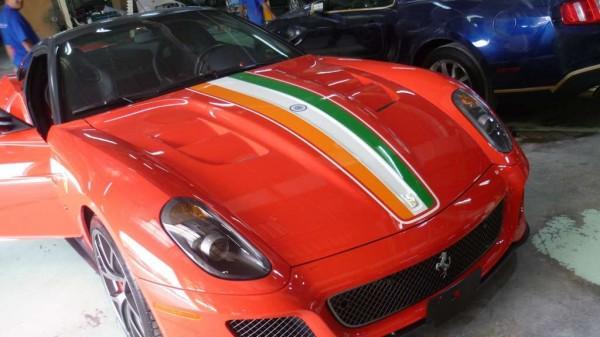 rp_MS_Dhoni_Ferrari_India_GTO.jpg