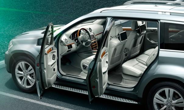 Mercedes-Benz GL500 interior