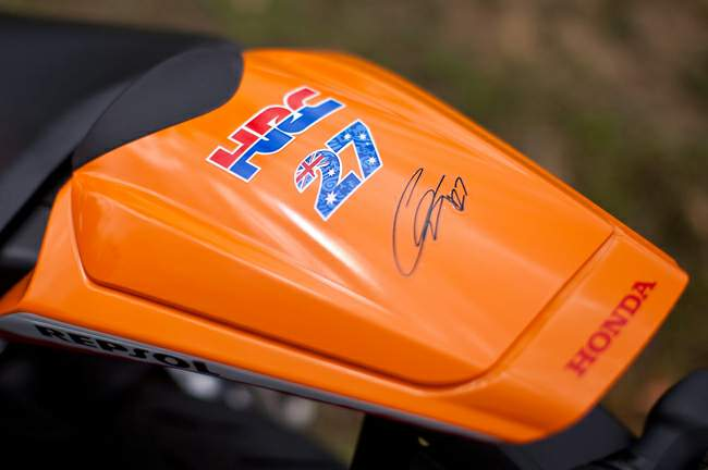 Honda CBR1000RR casey stoner replica