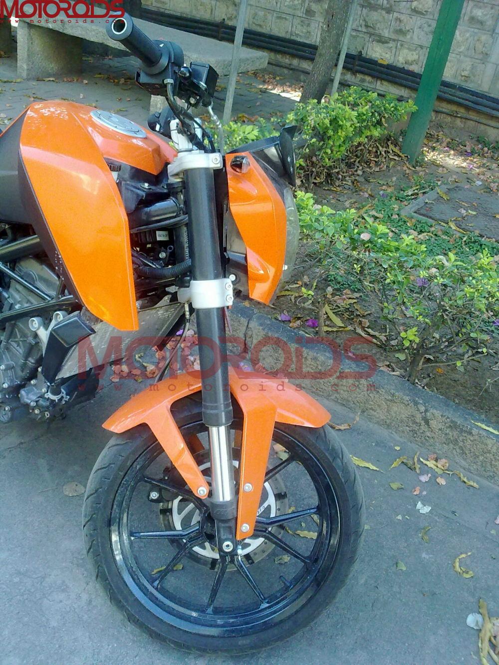 KTM Bajaj Duke 200