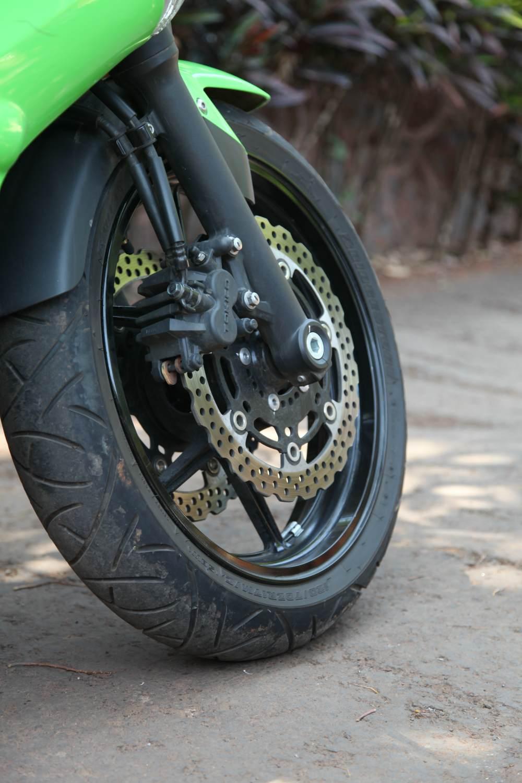 Ninja-650R-details-14