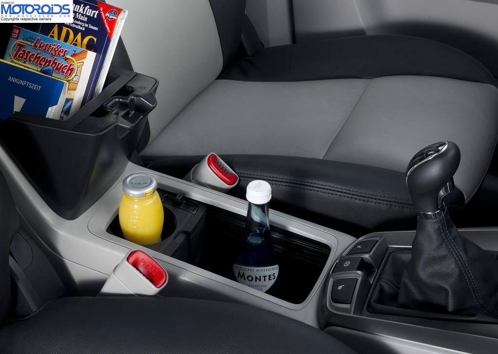 2012 Chevrolet Captiva (5)