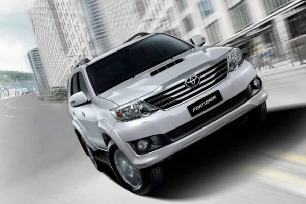 rp_2012-Toyota-Fortuner-front.jpg