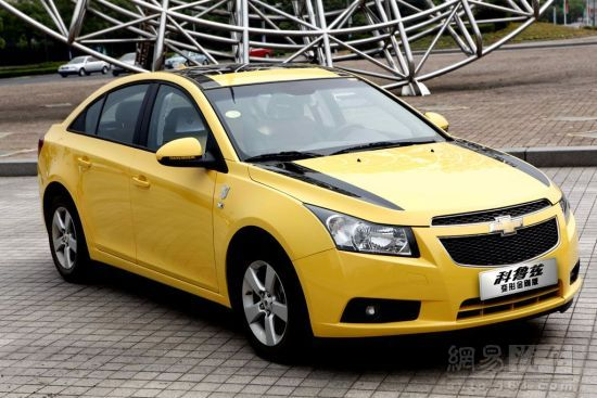 Chevrolet-Cruze-Limited-Transformers-Edition