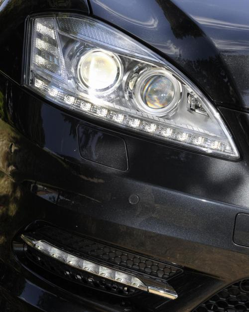 S-Class-Grand-Edition-AMG-Headlights