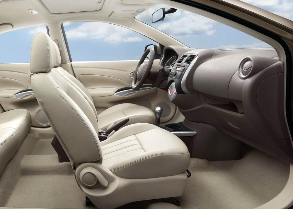 Nissan Sunny Almera interior