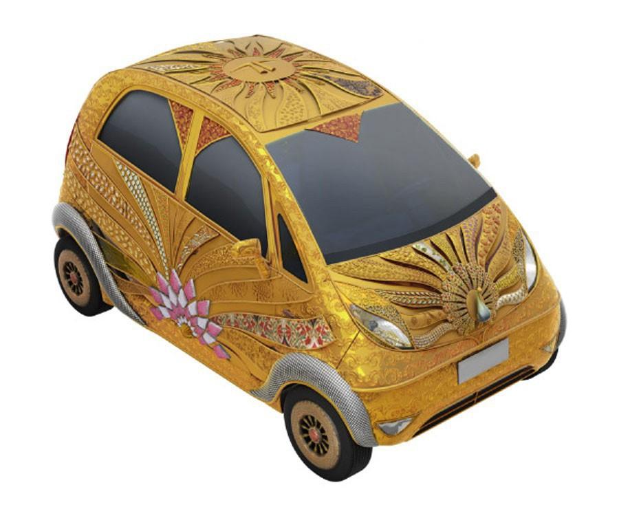 2011-Tata-Nano-Gold-Plus-2