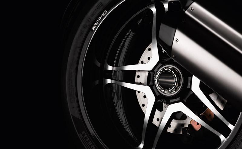 Ducati Diavel AMG (3)