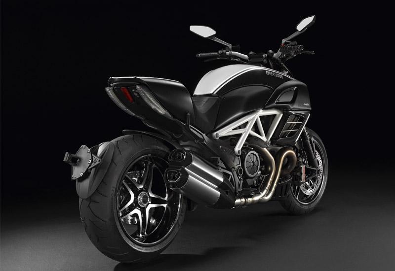 Ducati Diavel AMG (1)