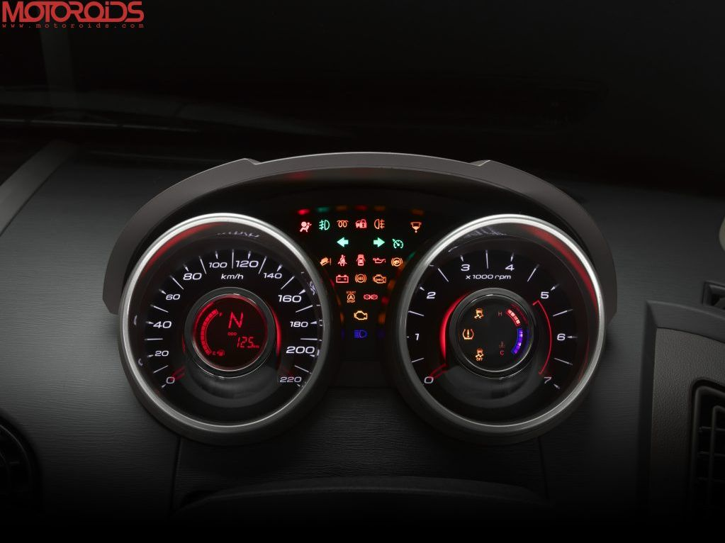 XUV500 official images (10)