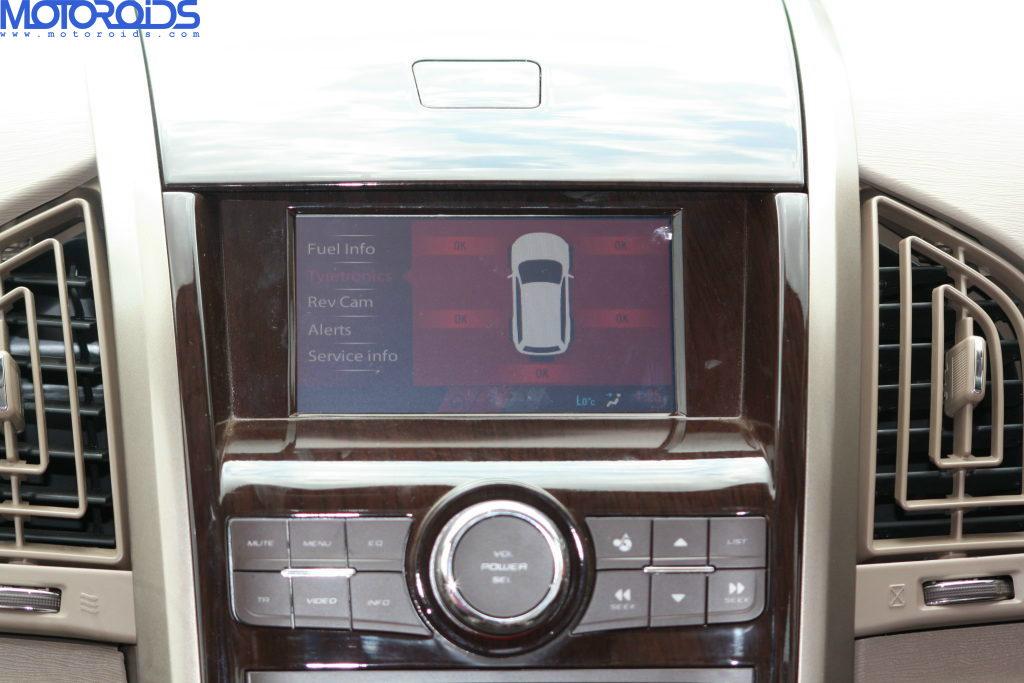 Mahindra XUV500 (74)